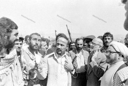 1358، آیت الله شیخ صادق خلخالی به اتفاق مهدی بازرگان و هاشم صباغیان در سفر به کردستان