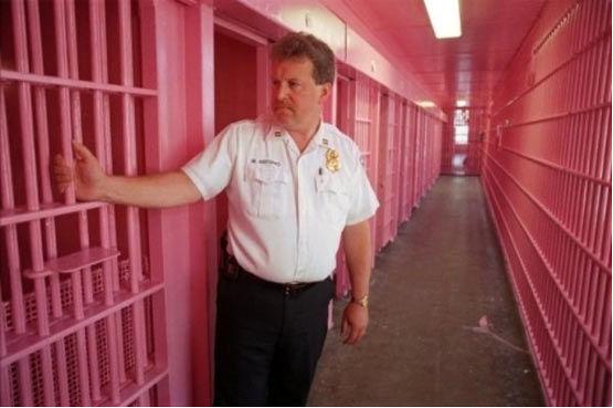 ابتکار سوئیس: زندانها صورتی رنگ میشوند