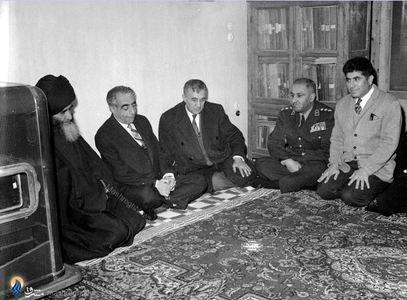 1340؛ علی امینی دردیدار با آیت الله سید هدایت الله تقوی شیرازی درتهران