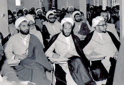1358، آیت الله شیخ صادق خلخالی به اتفاق حجج اسلام غلامحسین حقانی و اسماعیل فردوسی پور